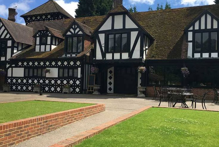 Discount UK Holidays 2017 Kent Countryside Stay, Dinner, Breakfast & Leisure Access for 2 £79 (at the Hever Hotel) for an overnight stay for two people with two-course dinner and breakfast, £149 for two nights with dinner on one night - save up to 37%