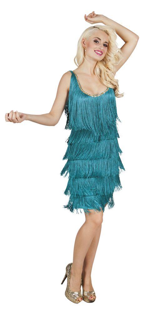 Duik in de jaren 20 in dit mooi pak.   Deze Charleston outfit voor vrouwen bevat een jurk.  Let op: Schoenen zijn niet inbegrepen.   De korte jurk is turkoois en versierd met franjes aan de voorkant en achterkant.  An de voorkant is de halslijn versierd met goudkleurige lovertjes?  Deze mouwloze outfit op het thema Charleston is gemakkelijk door het hoofd aan te trekken.  Dit Charleston kostuum voor dames is perfect om direct naar de jaren 20 te duiken.