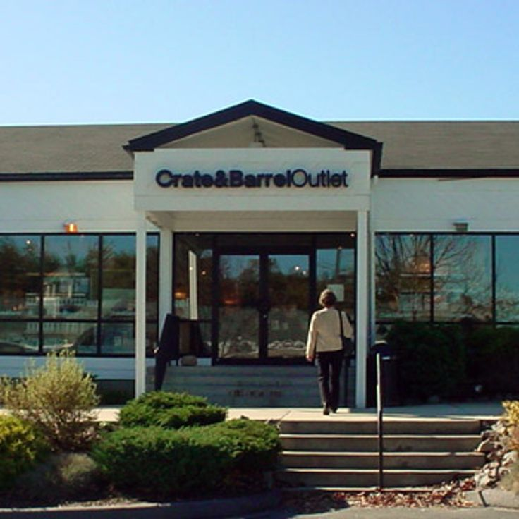 Crate and Barrel Outlet Store Profile