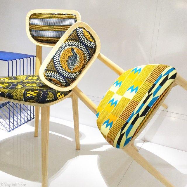 Chaises en bois et tissu wax