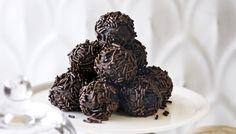 Τρουφάκια σοκολατένια με μπισκότα πτι μπερ και ζαχαρούχο γάλα