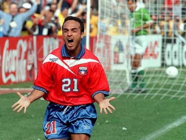 Rodrigo Barrera extremo del Necaxa y de la Selección de Chile.