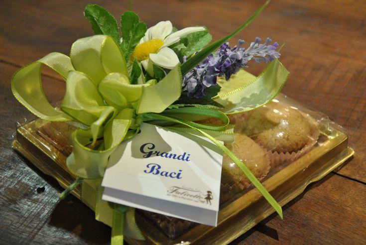 Vendita grandi baci Piacenza, Produzione biscotti di pasticceria