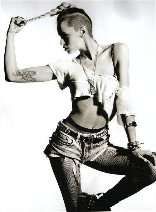 ALICE DELLAL..DRUMMER,'MODEL',PUT THE UNDERCUT BACK ON THE MAP•●•