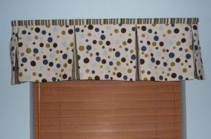 My favorite box pleat valance tutorial - used this for Jerry's room. :)