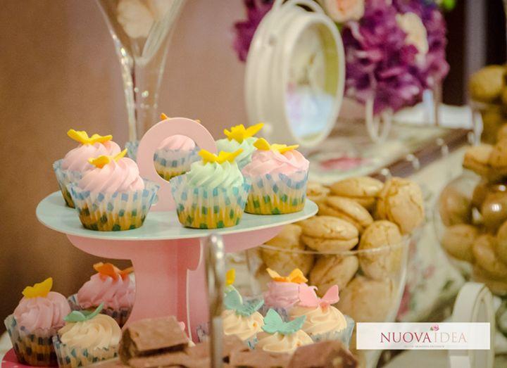 Vrei să îți răsfeți invitații cu un bufet dulce și delicios? Potrivit oricărei tematici aduce un aer jovial și un gust seducător ce va mulțumi toți invitații evenimentului tău de la cei mici până la cei mari! Candy bar-ul poate fi personalizat în funcție de dorințele tale de la prăjituri de casă românești la fructe exotice sau bomboane viu colorate. Personalizează-ți și tu propriul bufet și ia legătura cu noi pentru comandă prin formularul de contact telefon sau e-mail http://ift.tt/2w5M0tE