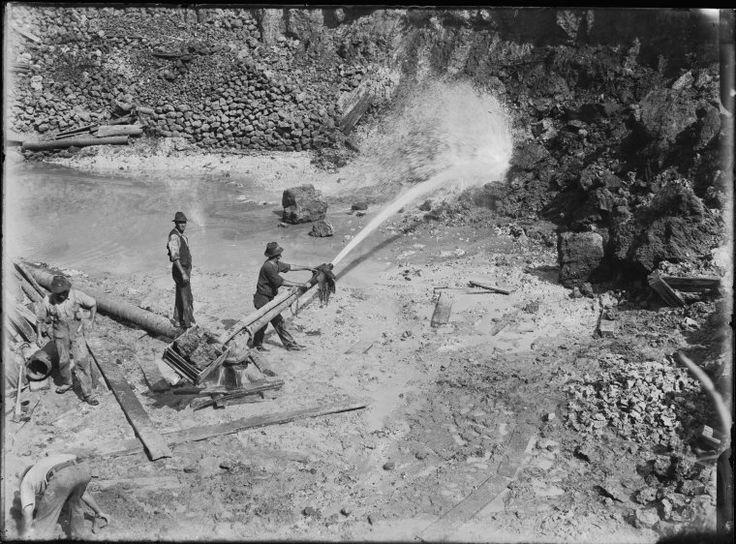 008613PD: Tin sluicing, Greenbushes, 1922 http://encore.slwa.wa.gov.au/iii/encore/record/C__Rb2090927?lang=eng