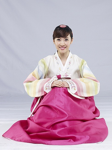 Hanbok (Traditional Korean Dress) Love these