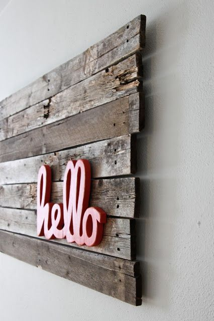 {doesn't necessarily need to be done on a pallet} 30 Fantastic DIY