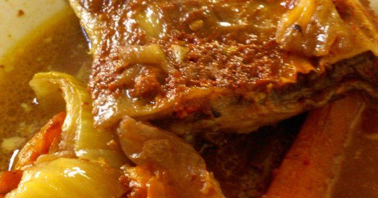 Fabulosa receta para Vacio al horno federal. Un plato clásico con agregados que dan como resultado una preparación para quedar bien. Lo de federal es por el rojo punzó que viene de la Santa Federación.
