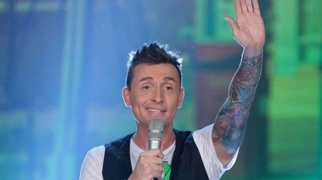 Il Karaoke sta per tornare e a condurlo sarà il bravissimo comico Angelo Pintus!