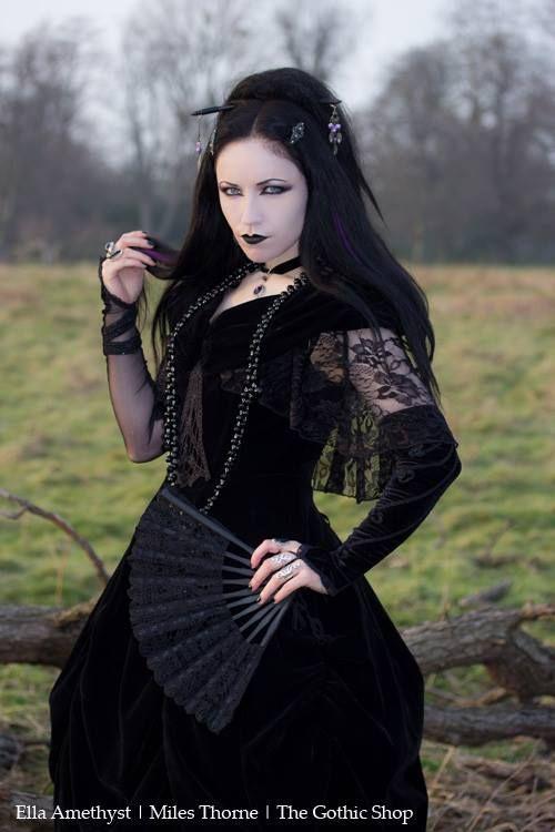 Gothic Model Ella Amethyst