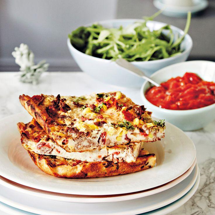 Texmex-maustettu jauhelihatäytteinen pannukakku on helppo ja maistuva arkiruoka. Täytetty pannari on myös helppo tarjottava illanistujaisiin.