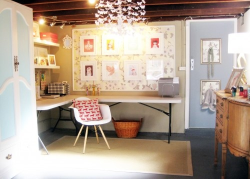 love that this is so cute and in a basement! Just folding tables.