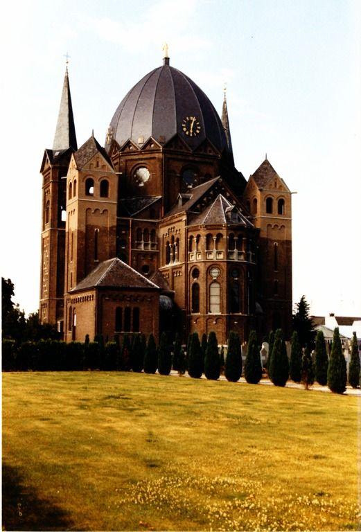 6210022 Serie van 3 foto's van de Koepelkerk R.K. Heilige ... | Zoek resultaat | RHCe - Regionaal Historisch Centrum Eindhoven