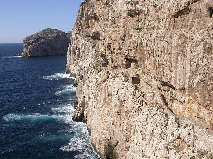 File:Grotta di nettuno zugang.jpg