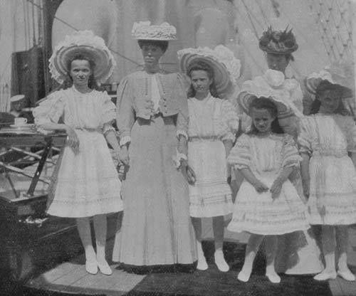 With Olga Nikolaevna, Olga Alexandrovna, Tatiana Romanova and Maria Romanova.