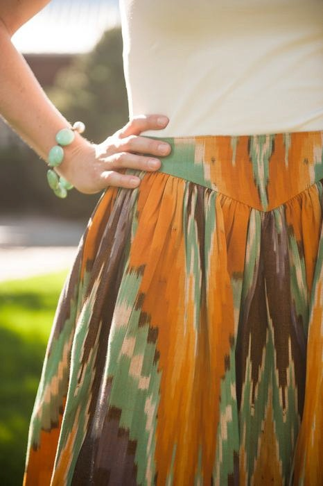 Southwest Skirt..i like this yoak at the skirt band...very sliming for gathered skirts
