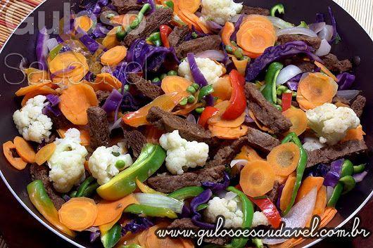 Os fãs de cozinha oriental vão amar a sugestão para o #almoço, é uma super saborosa Carne de Soja Oriental!  #Receita aqui: http://www.gulosoesaudavel.com.br/2014/01/14/carne-de-soja-oriental/