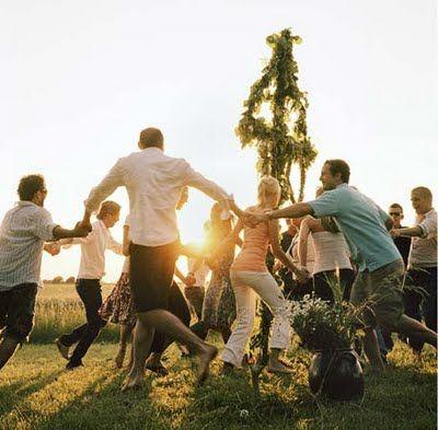 Emme: Glad Midsommar! (Happy Midsummer!)