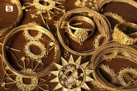 Dorgali, gioielli in filigrana, gold jewels, Sardinia, Sardegna.