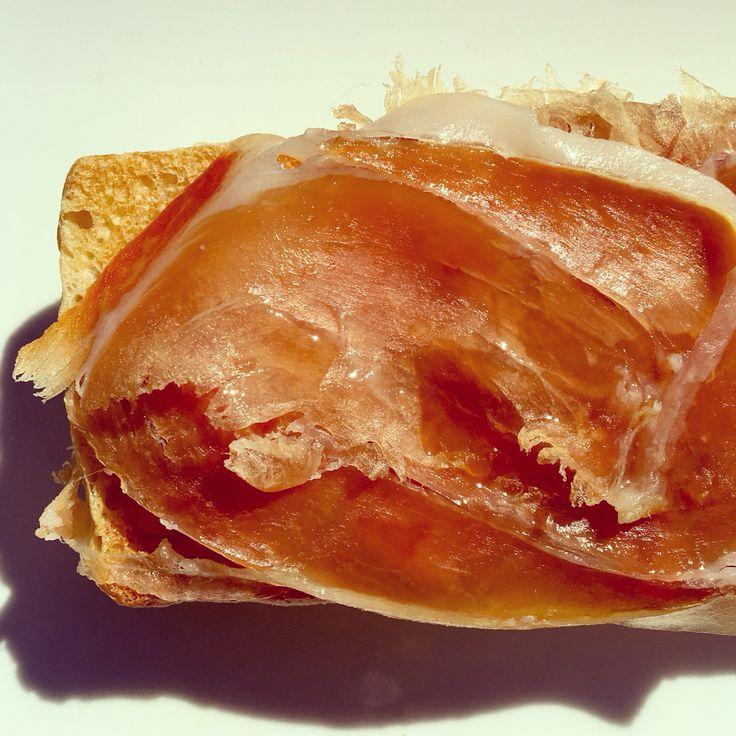 Tostada #JamonSerrano #food #IbericodeBellota #Topfood #España #cocinaespañola