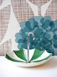 Midwinter umbrella cake stand