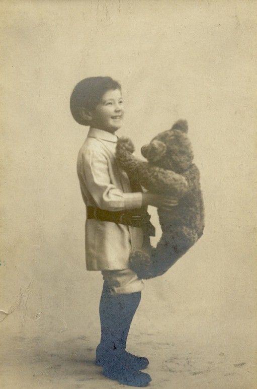 Steiff teddy bear with his original owner, 1908.