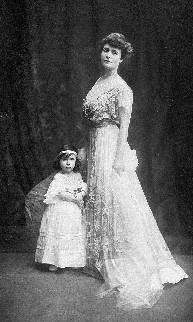 1907- Louise Chéruit and her daughter - Louise Chéruit - Wikipedia, the free encyclopedia