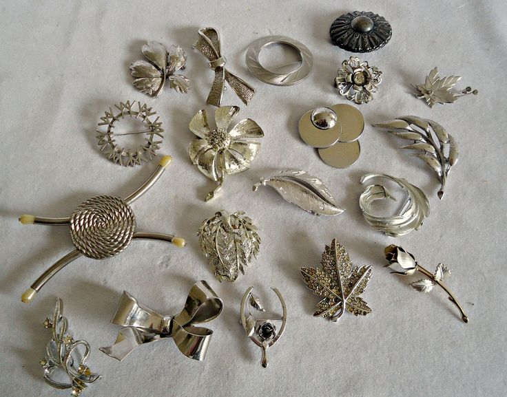 19 Vintage Brooch Pins Brooches Brooch Silver Tone Silvertone  Instant Collection Lot by TreasureCoveAlly on Etsy