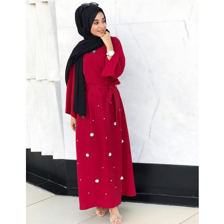 513 vind-ik-leuks, 4 reacties - TuğçeBayıroğlu (@tgcbyrgl) op Instagram: 'En sık aldığım soru 'Mezunıyetim var ne giyebilirim ?' @pearly.collection Sizin için yapmış direk…'