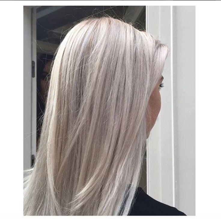 Silver white hair by Djamiela @ Salon B, Haarlem