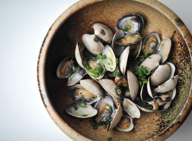 RawBar clams. Photo by Leila Kwok
