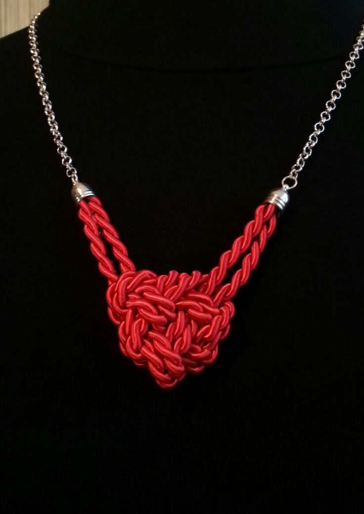 MiaQ | 12/2016 | Knot Collier | Red Satin Cord