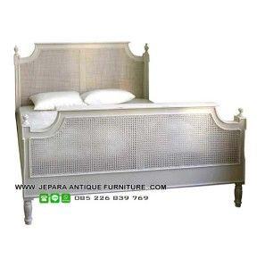 Model tempat tidur minimalis cat duco dan kombinasi rotan