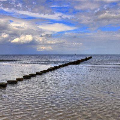Як Фіни називають Балтійське море? Східне море! В усіх мовах германської групи, крім англійської, Балтійське море називається «Східним морем». Ця назва використовується в Німецькій, Голландській і всіх мовах скандинавської групи. Історія цієї назви бере початок ще за часів вікінгів і збереглася в фінській мові, незважаючи на географічне положення (море розташоване на заході Фінляндії).