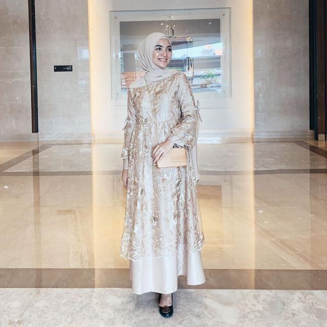 8 Gaya Hijab Citra Kirana Yang Sederhana Dan Mudah Ditiru Model Baju Wanita Gaun Perempuan Model Pakaian