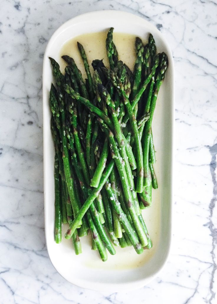 This is one of the easiest and quickest veggie side dishes in town, and takes a mere few minutes to prepare. My kinda veggie dish! Asparagus is rich in Vitamin A (forimmune function and vision)…