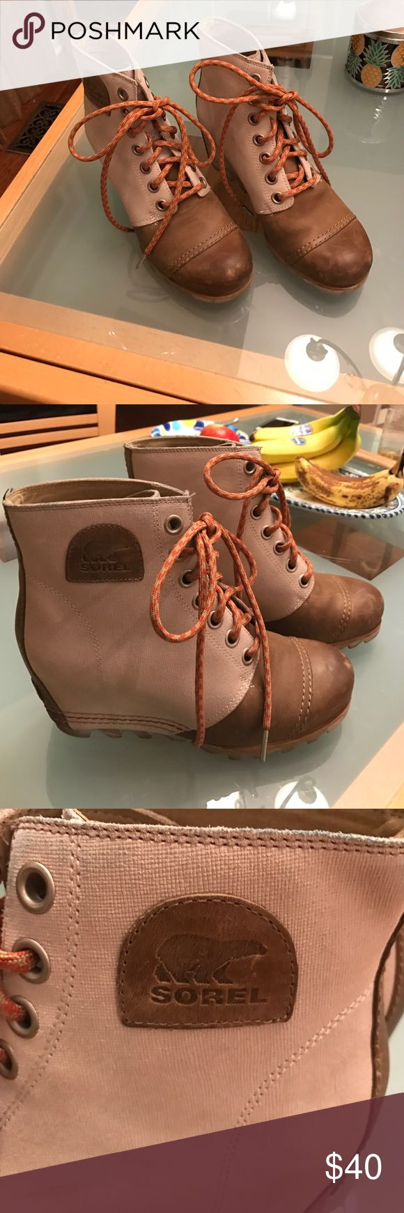 Sorel wedge boots, gently worn, size 8.5 Tan canvas/leather combo, sole is camouflage, very comfortable and a nice shade to ease into the spring (possibly rainy )weather! Sorel Shoes Winter & Rain Boots
