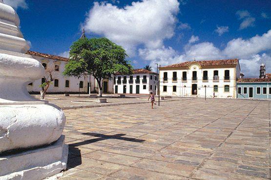 La place Sao Francisco au Brésil située dans la ville de Sao Cristovao forme un quadrilatère bordé des monuments historiques parmi lesquels l'église de Santa Casa da Misericórdia ou encore le palais provincial.