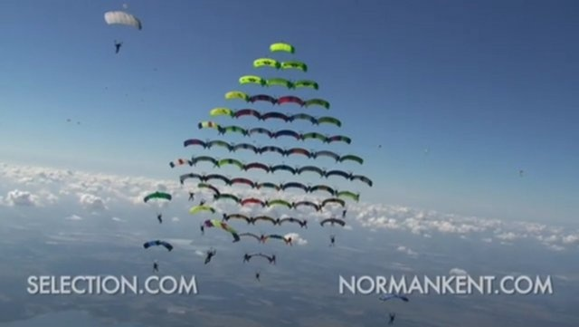 100-Way World Record Canopy Formation by Norman Kent