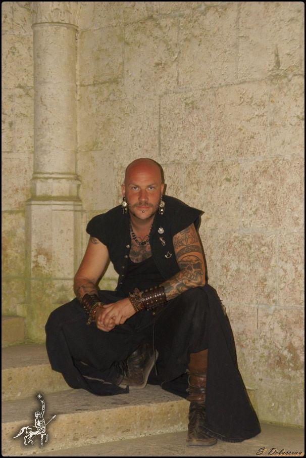 Luc Arbogast. sa musique est un portail vers un autre monde. Laissez-vous séduire par son univers. lucarbogast.fr