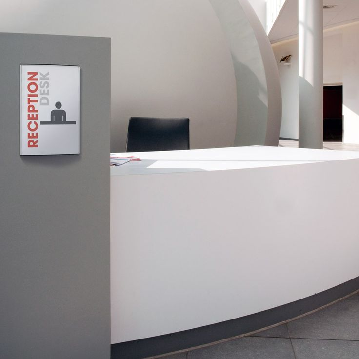 Strato wall sign used in a reception desk. For more information on different officesigns, go to our website www.kontorskilte.com and discover our entire collection