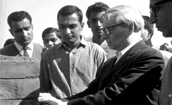 Louis Kahn seen with NID architects including Sen Kapadia and BV Doshi, ca. 1960s. National Institute of Design, Ahmedabad.