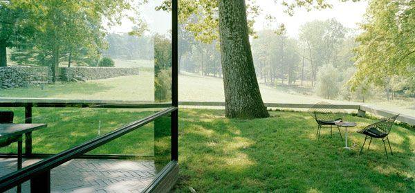 The Philip Johnson Glass House   www.philipjohnsonglasshouse.org    THE GLASS HOUSE NAMES DIRECTOR:  Henry Urbach joins The National Trust Historic Site on April 2
