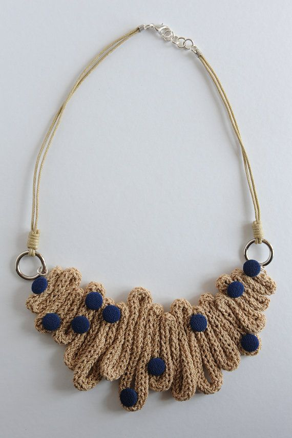 COLLIER TRICOTIN / PERLES