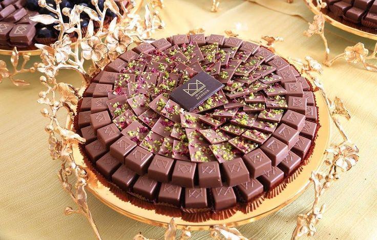 مونور شوكولا Meneur Chocolate شوكولاته كيك الزواج و المناسبات الرياض Food Cake Table Decorations