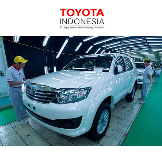 Toyota Indonesia fokus di penggunaan komponen lokal. Saat ini, perkembangan industri otomotif sudah semakin pesat, TMMIN memiliki strategi untuk bisa meningkatkan komponen kendaraan yang benar-benar diproduksi secara lokal oleh orang Indonesia #TMMIN #InfoTMMIN #ToyotaIndonesia