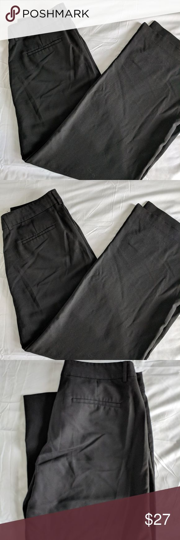 Women's Express Size 10 Black Slacks Women's straight leg slacks. size 10. pocket on back, small pockets on front. Has belt loops.   Brand: Express Size: 10 Color: black Condition: Previously loved.   Bundle Discounts and reasonable offers accepted, just ask..  Thank you for browsing! Express Pants Trousers