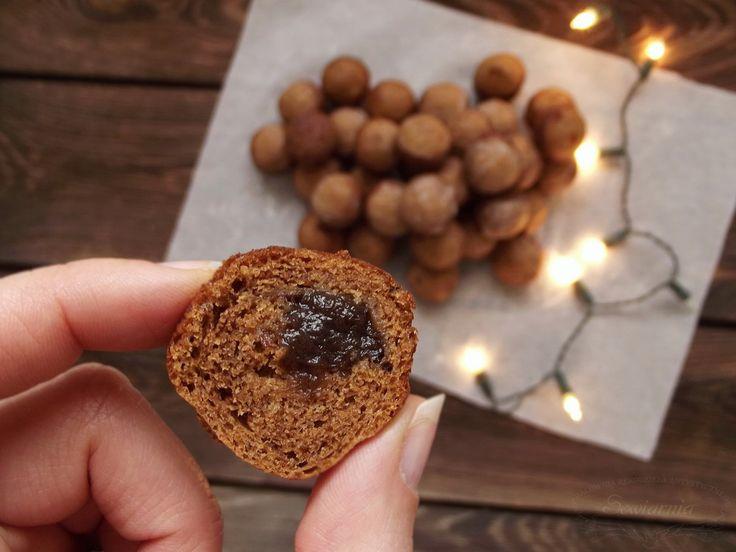 Gingerbread cake pops with plum jam / Piernikowe cake popsy z powidłami śliwkowymi